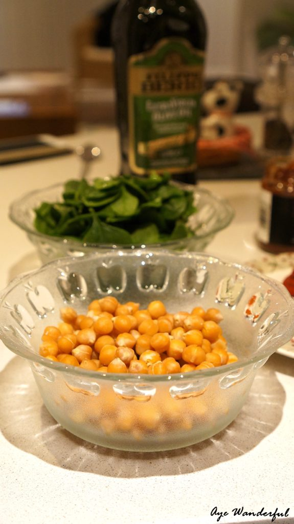 Moroccan-style Chickpea and Spinach soup