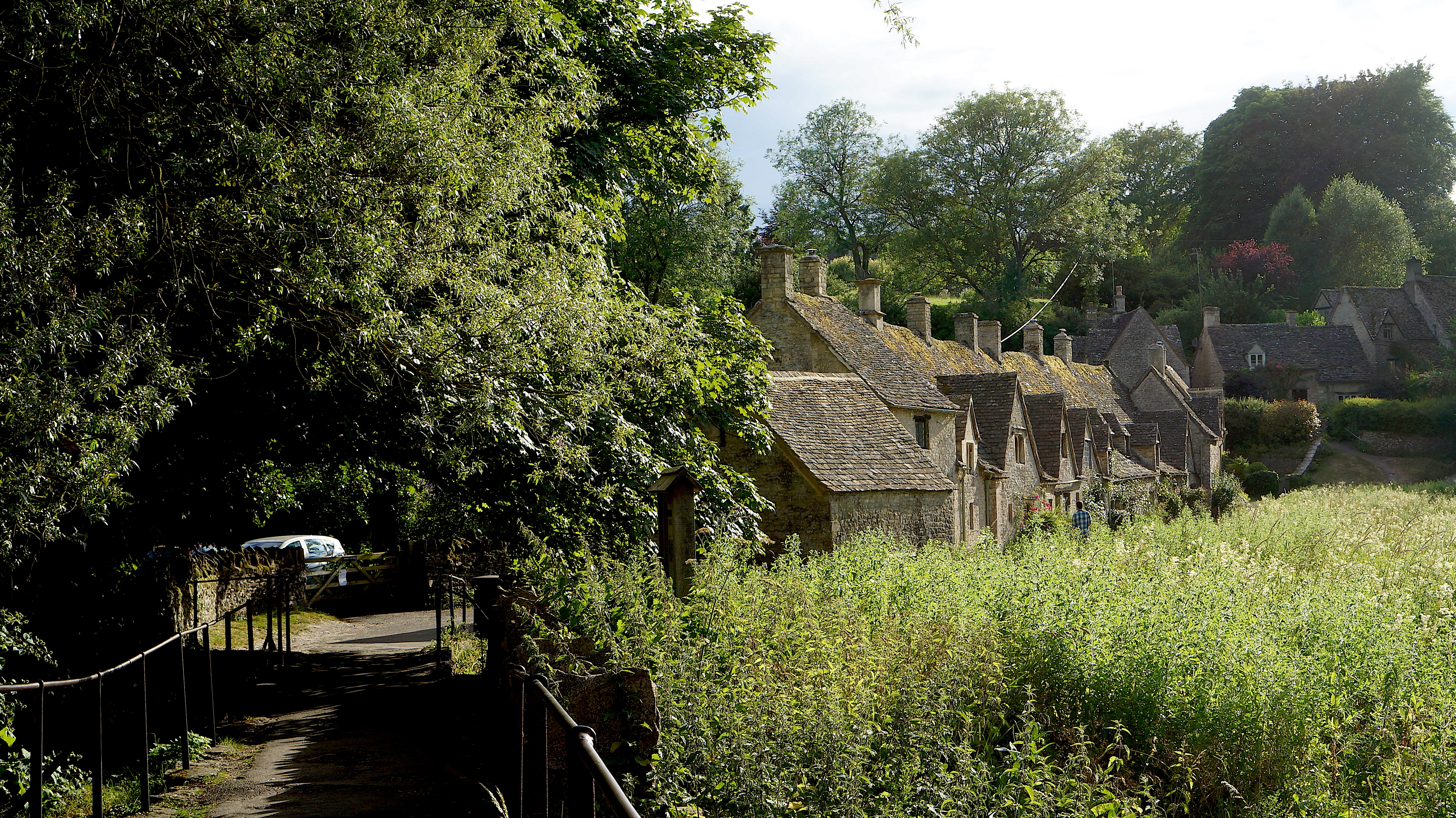 Bibury Day Trip | Day trip from London | England | English Countryside | Cotswold | www.ayewanderful.com