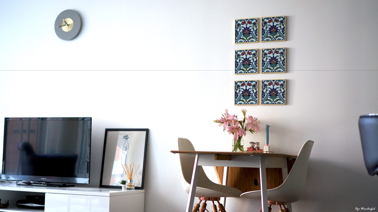 Framed Tiles Wall Art | Dining Room Decor Ideas | How to use, display and organise travel souvenirs in home decor | Interior Inspiration | Travel Tips | Read more on www.ayewanderful.com